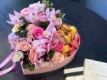 Pink Garden| Flowers Design with flowers and macaroons -1