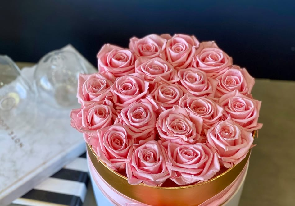 Luxury Preserved pink roses in the box