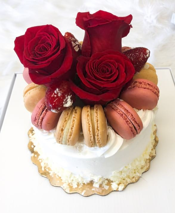 Cake with Dozen Macaroons and Flowers