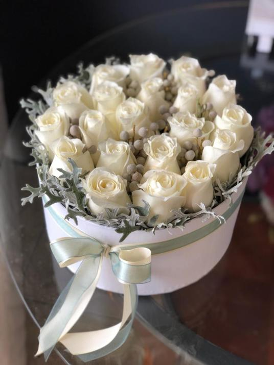 2 Dozen White roses in round box