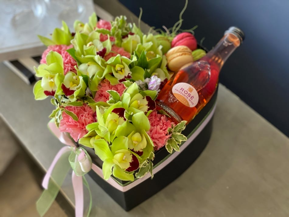 Flowers Design with Champagne and macaroons