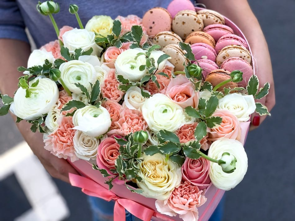 Large Box with Fresh Flowers and Macaroons