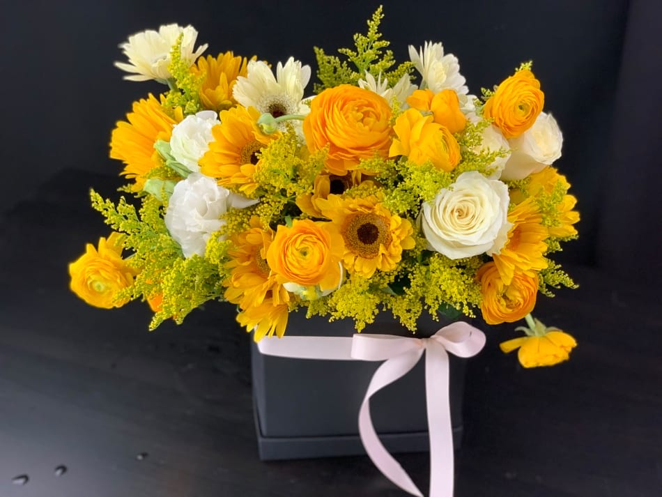 Modern Box Arrangement with Mix Flowers