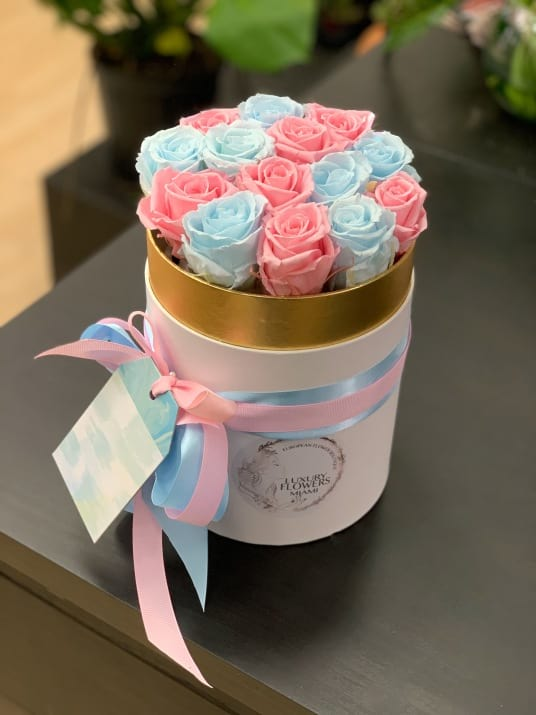 Luxury Preserved pink and Blue roses in the box
