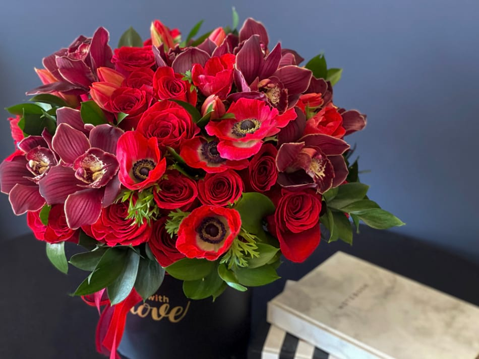 Sunset| Boxed Design with roses and orchids