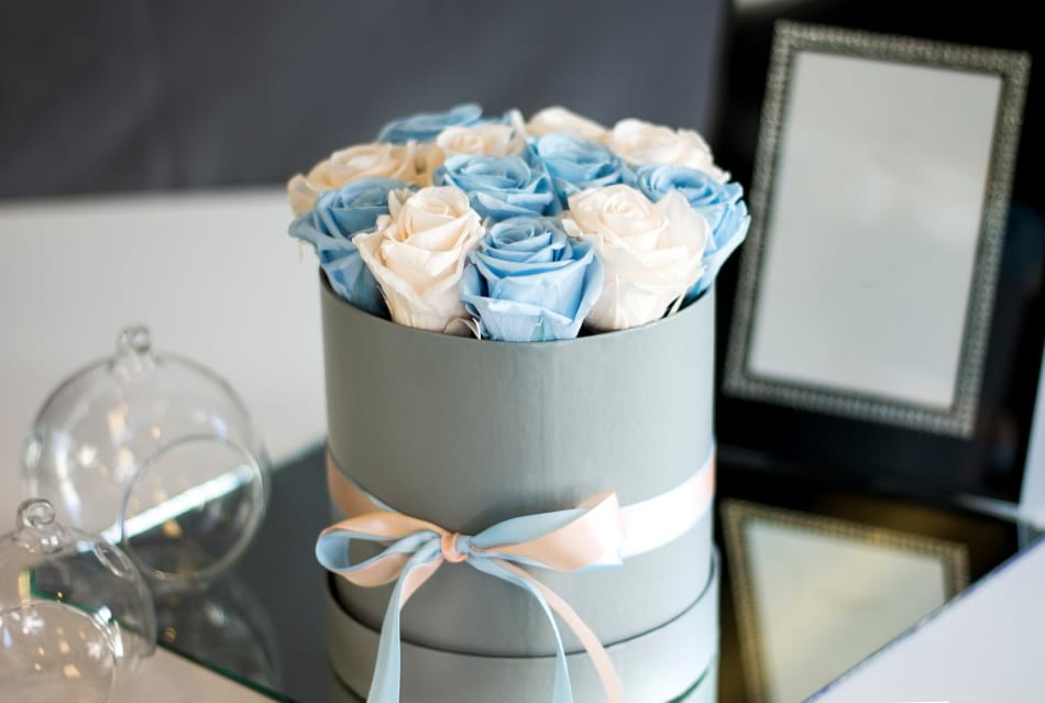 Luxury Preserved roses in the box