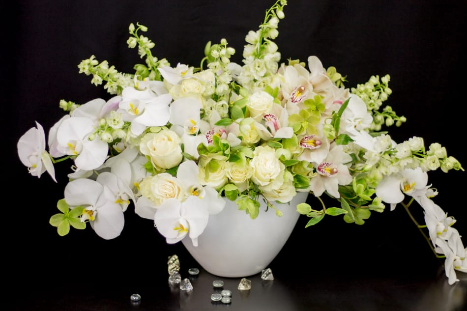 Chic Flower Arrangement in White Colors. Large