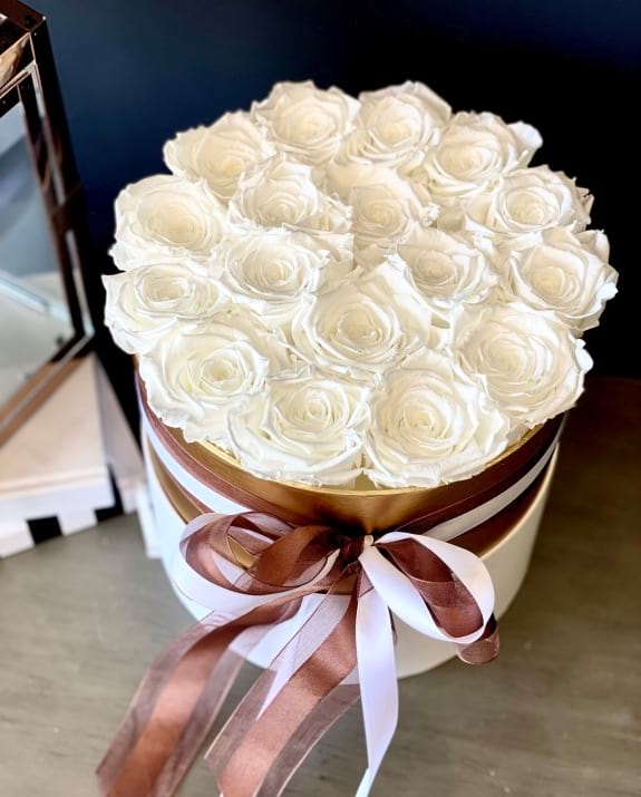 Luxury Preserved Roses in a box. White