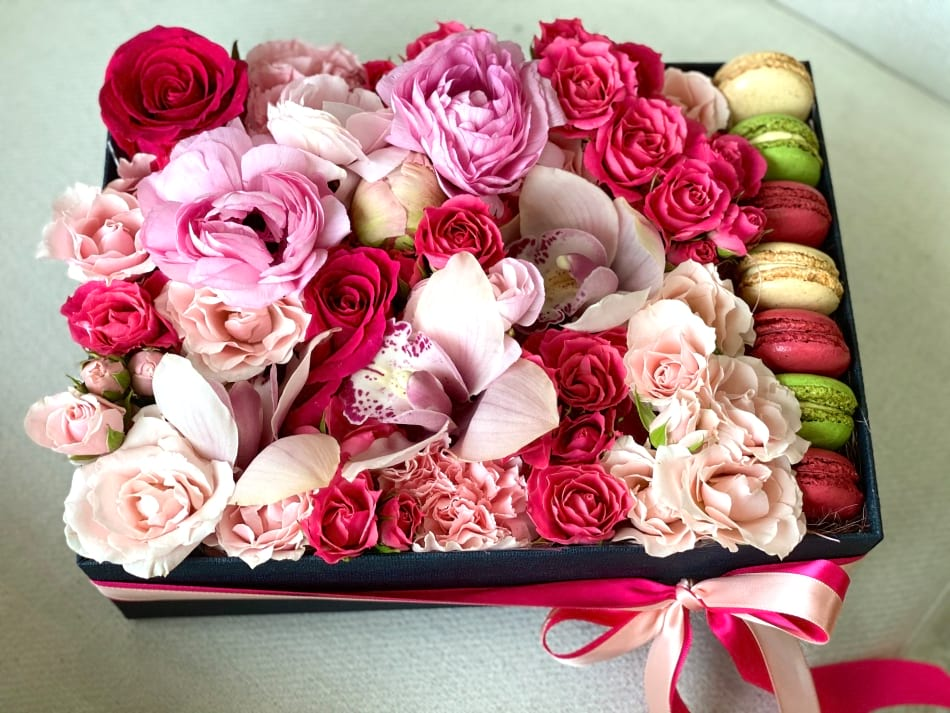 Flower Arrangement in Bright Pink and Pink Colors with Macarons