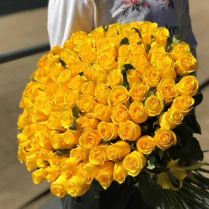 100 Yellow Roses Bouquet. Premium Yellow Roses