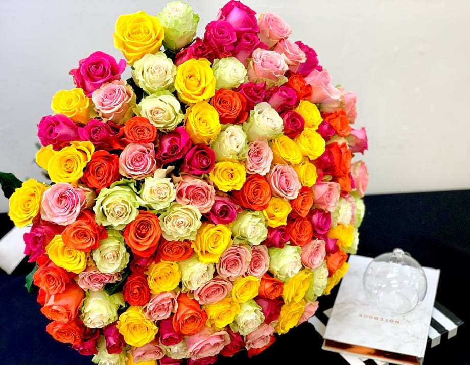 150 Roses Bouquet. Mixed Roses Bouquet
