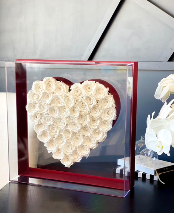XXL Acrylic Box with Preserved White Roses