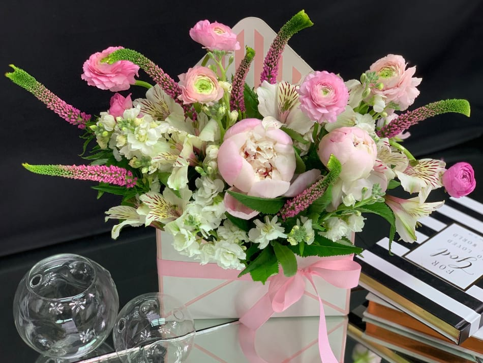 Flower Envelope in light pink colors with Peonies